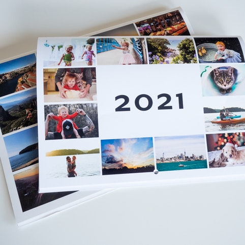 Your 12 photos will be automatically arranged on the cover of your personalised wall calendar.